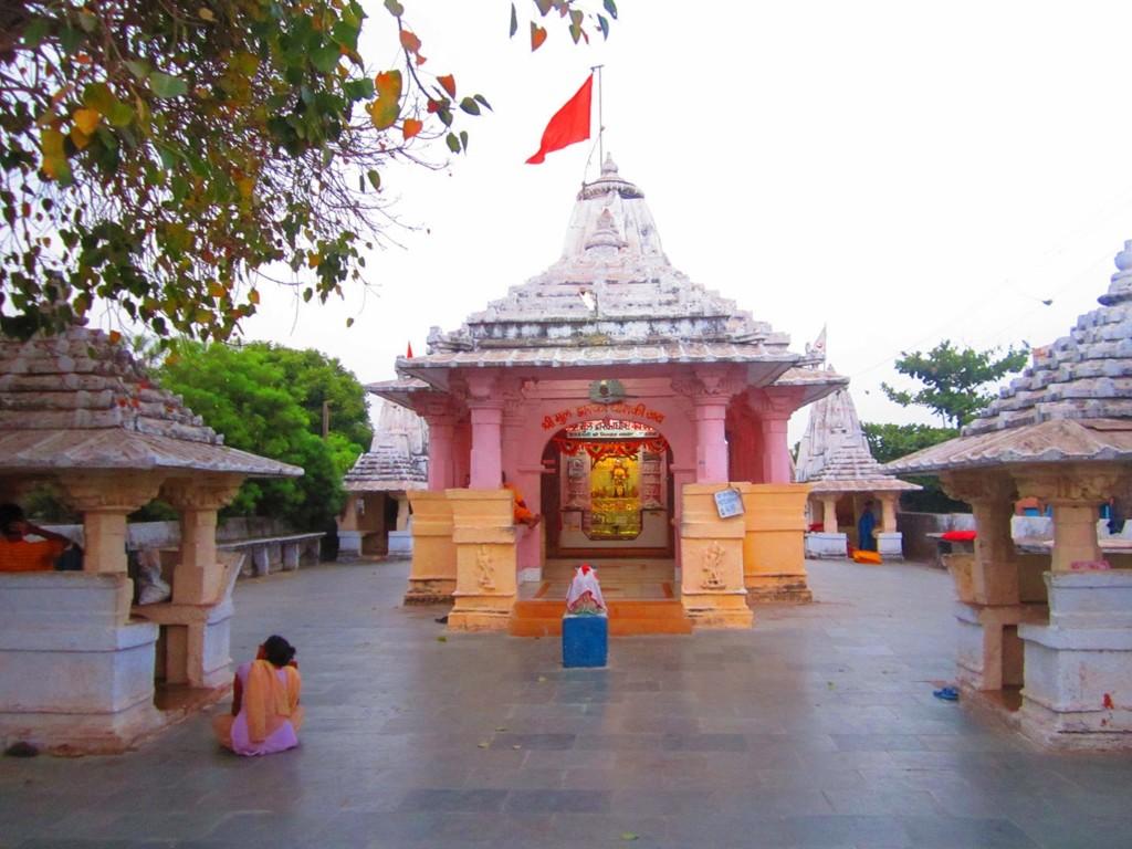Dwarkadhish Temple in Visavada